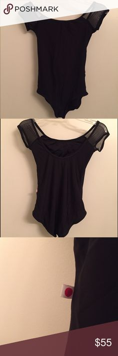YUMIKO MESH Leotard Wendy style with mesh sleeves. Black nylon and black mesh. Size medium. Bust lining. Very small tear in mesh of left sleeve, otherwise in great condition. A stunning piece for your black leotard collection! Yumiko Other