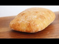 No Knead Ciabatta 免揉巧巴達拖鞋麵包|Apron Bagel Bread, Bread And Pastries, Cake Rusk Recipe, Bread Recipes, Baking Recipes, Pain Ciabatta, Bolo Youtube, Cheese Twists, Homemade Dinner Rolls