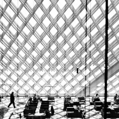 ro-w: the seattle public librabry. by oma, rem koolhaas. photo by thomas hawk Space Architecture, Architecture Details, Rem Koolhaas, Co Working, Facade Design, Beautiful Buildings, Textures Patterns, Seattle, Brutalist