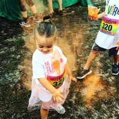 That #flavorrun glow! #lifeisdelicious . . . . #healthy #fitness #family #5k#running#colorrun#runnergirl #fit#familyfun #fitfam  #flavorrun5k #funrun #first5k #1st5k  #familyfitness #healthyfamily #fitfamilygoals  #asseenonmyrun #womensrunningcommunity #colorrunner #befit #nikerunning #youlldobetterintoledo #cleveland #toledo #washingtondc #runnersofinstagram #runnerscommunity