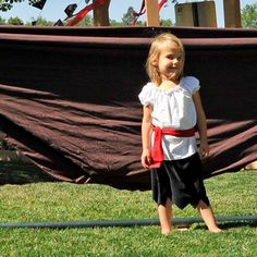 Girl Pirate Costume...Skirt, blouse, waist sash...Eco-friendly...2t,3t,4t,5,6,7,8,10