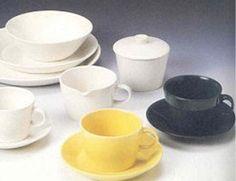 1960-luvulla Arabian siniset Kilta-astiat. Kaj Franckin Arabialle suunnittelema Retro rulettaa astioissa - Makeaa elämää - Gloria.fi