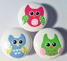 Adorable handpainted dresser knobs - owls in pink, green and blue  Find them at the Little Nursery on Etsy $6