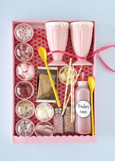 15 Ways to Style your Christmas Hamper Ice Cream Decorating Hamper with Sauce and Toppings but not as pink! Christmas Baskets, Diy Christmas Gifts, Holiday Gifts, Pink Christmas, Christmas Hamper Ideas Homemade, Christmas Decorations Diy For Teens, Homemade Christmas Presents, Christmas Ideas, Christams Gifts