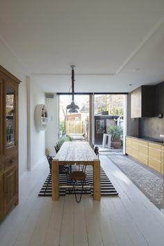 Modern extension by  Ruud Visser Architecten