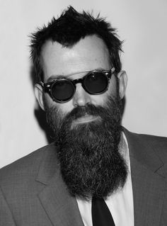 Having a corporate job, you need to wear a suit but on the weekends you want to look like you're the drummer in a rock band. The struggle is real! What you have to remember guys is that… Beard Styles For Men, Hair And Beard Styles, Hair Styles, Moustaches, Hairy Men, Bearded Men, Beard Love, Big Beard, Beard Cuts