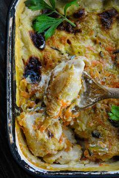 Delicious and juicy vegan pierogi casserole. RECIPE: http://www.vegansandra.com/2018/02/vegan-pierogi-casserole.html