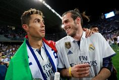 REAL MADRID star Cristiano Ronaldo reportedly feels Gareth Bale does not deserve to start their Champions League final clash with Juventus next month. World Best Football Player, Soccer Players, King Of Spain, Ronaldo Bale, Real Madrid Win, Milan, Chelsea, Lost Stars, Real Madrid Players