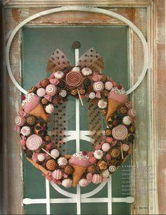 Felt Wreath with Candies #felt #sew #crafts