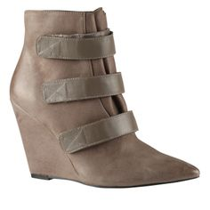 58 best Love Schuhes Schuhes Schuhes & Bags images on Pinterest in 2018   Stiefel b7d224