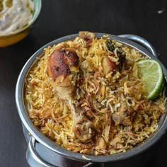 Rich and flovorful biryani made with Chicken. It is surely a festive dish and this is perfect to cook when you have guests over or make it for dinner parties. You are going to … Bbq, Dum Biryani, Indian Food Recipes, Ethnic Recipes, Indian Foods, Biryani Recipe, Asian, Rice Dishes, Main Dishes