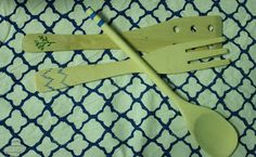 Utensilios de cocina de IKEA decorados DIY con tempera www.notonlyparties.blogspot.com.es www.cuteparty.wixsite.com/cuteparty