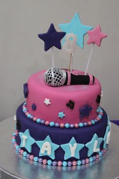 Music themed star cake for special 8th birthday girl