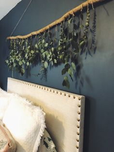 diy wall decor Dried eucalyptus and natural wood wall hanging. Absolutely stunning and smells incredible! Comes in multiple sizes. Shipped with all recycled materials. Mur Diy, Dried Eucalyptus, Diy Home Decor For Apartments, Wood Wall, Diy Furniture, Easy Diy, Simple Diy, Home Improvement, Bedroom Decor