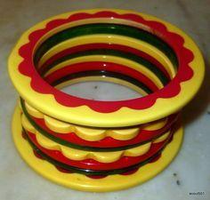Bakelite gumdrop pie crust  matching bangle bracelets