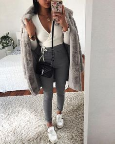 The most stylish selfie outfits Fall Winter Outfits, Autumn Winter Fashion, Autumn Style, Trendy Outfits, Fashion Outfits, Womens Fashion, Style Fashion, Style Gris, Vetements Shoes