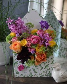 9,053 Followers, 2,004 Following, 1,547 Posts - See Instagram photos and videos from A N F L O R   flowers & decor (@anflor.by) Flower Boxes, Flower Cards, Flower Ideas, Envelopes, Vase Arrangements, Shabby, Arte Floral, Table Flowers, Amazing Flowers