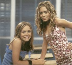 Photo of 2002 - Calender for fans of Mary-Kate & Ashley Olsen 20597048 Ashley Mary Kate Olsen, Ashley Olsen, 2000s Fashion Trends, 90s Fashion, Tinkerbell, Olsen Twins Style, Michelle Tanner, Olsen Sister, Celebrities Then And Now