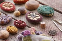 I love all the Free People DIY projects. Rock Crafts, Yarn Crafts, Diy Crafts, Crochet Stone, Diy Crochet, Resurrection Fern, Crochet Projects, Diy Projects, Yarn Bombing