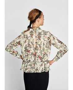 Image 4 of BLOUSE WITH CONTRASTING PRINT from Zara