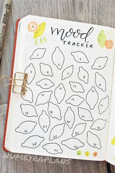Looking for a new and fresh bullet journal theme for the spring and summer months? Check out these adorable lemon / lemonade themed cover pages, weekly spreads, monthly logs and more for inspiration! Bullet Journal Goals Page, Bullet Journal Mood Tracker Ideas, Creating A Bullet Journal, Bullet Journal Notebook, Bullet Journal Aesthetic, Bullet Journal Themes, Bullet Journal Spread, Bullet Journal Inspiration, Journal Ideas