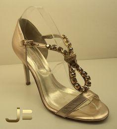 Sandália de pedrarias, coleção nova! Jorge Bischof Belo Horizonte  Lojas no Diamond Mall e BH Shopping