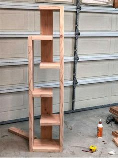 Easy gorgeous DIY modern bookshelf idea with plans! Make using a Kreg Jig. Easy gorgeous DIY modern bookshelf idea with plans! Make using a Kreg Jig. Woodworking Furniture Plans, Easy Woodworking Projects, Diy Wood Projects, Diy Furniture, Kids Woodworking, Pallet Furniture Plans, Woodworking Beginner, Diy Bookshelf Design, Modern Bookshelf