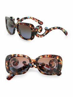 Sophisticated design in a square shape with lavish baroque accents. Baroque temples UV protection Made in Italy Prada Sunglasses, Luxury Sunglasses, Sunnies, Sunglasses Women, Gypsy Style, My Style, Prada Tote, Girls With Glasses, Eyewear