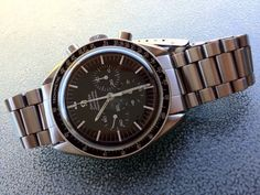 FRATELLO: Buying a Vintage Speedmaster---  Buying a vintage Speedmaster is not always that easy. You need to have some knowledge about the Speedmaster-family and be able to identify the correct use of parts on them. See link!