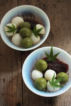 Japanese sweets ・ Mochi Dango and naturally sweetened Azuki Red beans Paste. Japanese Food Art, Japanese Dishes, Japanese Sweets, Dessert Drinks, Dessert Recipes, Rice Desserts, Gourmet Desserts, Plated Desserts, Asian Desserts