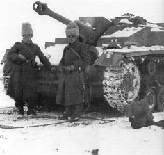 Romanian soldiers posing at StuG III. 108 of these machines the Romanians got from the allies, the Germans. Military Couples, Military Love, Military Gear, Military Photos, Military Vehicles, Luftwaffe, Eastern Front Ww2, Ww2 Tanks, World Of Tanks
