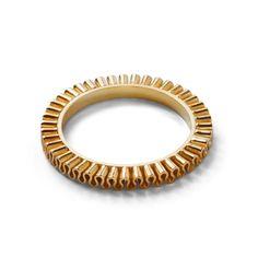 Alliance ring in 18kt gold. Design Emquies-Holstein.com