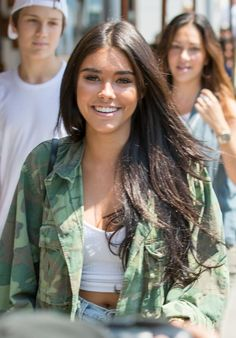 Madison Beer Urban Outfit - Beverly Hills