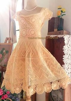 Tanya Sakovska's media content and analytics Red Lace Prom Dress, Lace Top Dress, Maxi Dress Wedding, Prom Dresses With Sleeves, Ball Dresses, Short Dresses, Crochet Beach Dress, Crochet Blouse, Off Shoulder Lace Dress