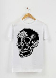 Tshirt col rond Skull#1 by Gurubrama on Triaaangles