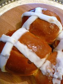 Slice of Southern: Strawberry Hot Cross Buns