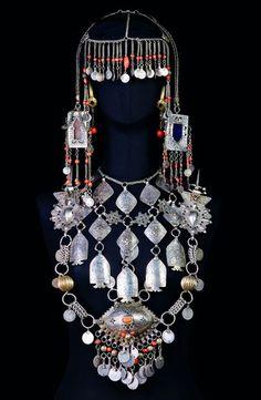 Berber women of Morocco Moroccan Jewelry, Turkish Jewelry, Ethnic Jewelry, Antique Jewelry, Silver Jewelry, 925 Silver, Silver Earrings, Luxury Jewelry, Silver Ring