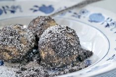 Topfenknödel mit Mohn - Rezept - The Best Street Recipes Oreo Cake Recipes, Chocolate Cheesecake Recipes, Dessert Recipes, Chocolate Oreo Cake, Chocolate Granola, Souffle Cheesecake Recipe, Vegan Coconut Cake, Austrian Recipes, Food Out