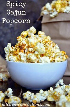 Spicy Cajun Popcorn - Add a pop of flavor to that favorite movie night snack with this spicy popcorn recipe! Spicy Popcorn, Flavored Popcorn, Gourmet Popcorn, Popcorn Recipes, Blue Popcorn, Homemade Popcorn, Popcorn Balls, Healthy Party Snacks, Snacks To Make