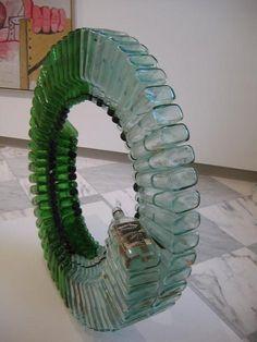 Glass art Projects For Kids - - - Broken Glass art Installation Broken Glass Art, Sea Glass Art, Stained Glass Art, Shattered Glass, Glass Vase, Glass Art Design, Trash Art, Glass Installation, Crushed Glass