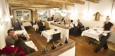 Restaurants in Zurich – Münsterhof. Hg2Zurich.com.