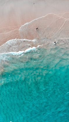 iPhone and Android Wallpapers: Aerial Beach View Wallpaper for iPhone and Android wallpaper ipad Strand Wallpaper, View Wallpaper, Ocean Wallpaper, Summer Wallpaper, Nature Wallpaper, Lock Screen Wallpaper, Disney Wallpaper, Google Pixel Wallpaper, Surfing Wallpaper