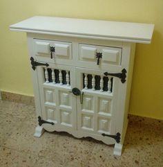 Los detalles son los que marcan la diferencia. Por ejemplo, poniéndole a un mueble viejo una cerradura de estilo oriental podemos darle un nuevo aire.