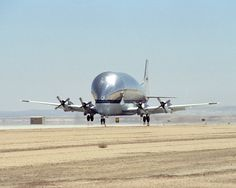 Super Guppy N941 NASA landing