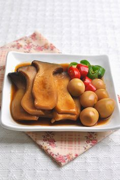 Big and fruity mushroom. One person can eat two or more - 요리 - Bento Ideas Spicy Recipes, Asian Recipes, Diet Recipes, Cooking Recipes, Healthy Recipes, Look And Cook, How To Cook Liver, Japanese Food, Japanese Recipes
