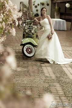 Fotografía de Bodas #Wedding #Photo #Medellin #Fotografo #Bodas #Vespa