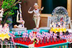 Festa bem intimista e com um tema lindo e divertido: Parque de diversões. A festa aconteceu no Encanto Natural em São Paulo e a decoração e ...