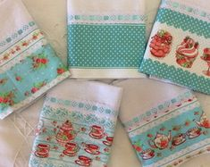 Hand Towels, Tea Towels, Easy Sewing Projects, Kitchen Towels, Homemade Gifts, Blackwork, Couture, Pot Holders, Christmas Stockings