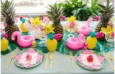 Ideas para llenar tu fiesta temática de flamencos Un animal que está de  moda este verano y que gusta tanto a pequeños como mayores es el flamenco. Con sus largas patas, estilizada figura y el plumaje rosa se han convertido en la sensación de estos meses calurosos.