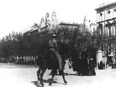 Paseo de Recoletos, 1910. Ese picaor pa´ la plaza de Goya ...